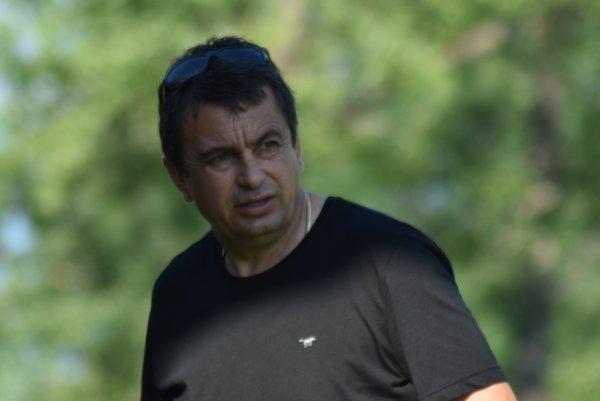 Tréner Vladimír Rusnák.