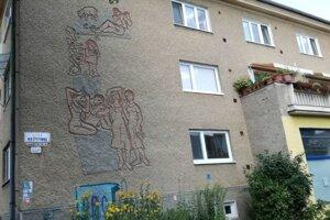 Vzácne prvky na budovách nesmie ohroziť ani zatepľovanie.