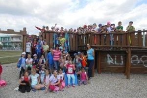 Veselý letný školský tábor na Nábrežnej škole