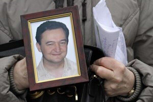 Sergej Magnitskij  zomrel v roku 2011. Američania zakázali vstup tým, čo za jeho smrť mohli byť zodpovední.