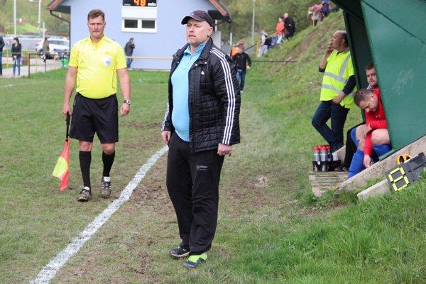Tréner Richard Bajo už nezažije s futbalistami Chlebníc veľký futbalový sviatok.