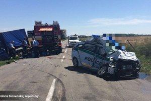 Nehoda sa stala medzi obcami Bajč a Pribeta.