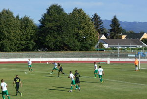Nové Mesto (v bielo-zelenom) doma body neuhralo.
