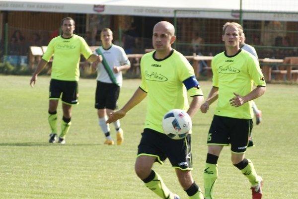 Jacovce v pohárovom zápase porazili Solčany 2:1.