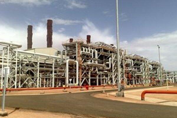 Na nedatovanej snímke poskytnutej 16. januára 2013 komplex na ťažbu zemného plynu Ajn Amenás na juhu Alžírska.