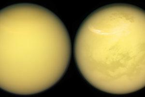 Dva zábery mesiaca Titan.