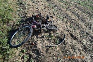 Cyklista zomrel na mieste nehody.
