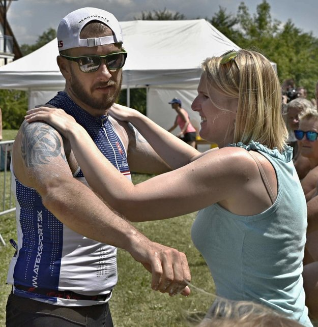 Manželkina podpora nielen vživote, ale aj na preteku. Aj takéto veci sa riešia počas Ironmana.