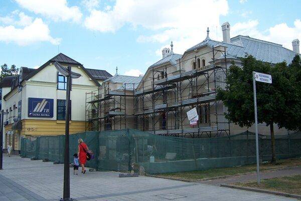 Kohútovu vilu teraz rekonštruujú. Nad jej využitím pre možné mestské múzeum visí otáznik.