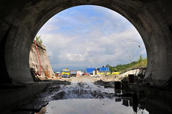 Tunel Ovčiarsko na úseku diaľnice D1, 21. júna 2016.