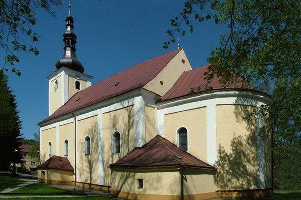 Za turzovským kostolom leží niekoľko hrobov významných osobností.