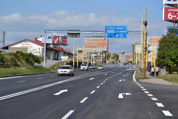 Plynulosti dopravy má pomôcť nový samostatný odbočovací pruh z Košickej ulice na Východnú ulicu.