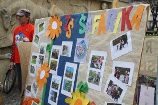 K ekologickým aktivitám, do ktorých sa prievidzské školy každoročne zapájajú, patrí aj Ekorok.