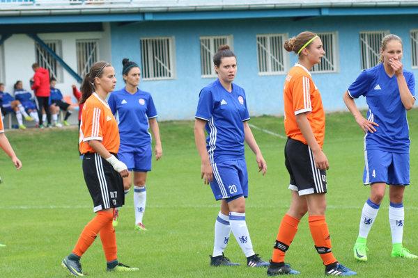 Bardejovčanky (v modrom) vyhrali rozdielom gólu.