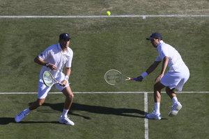 Bob a Mike Bryanovci sú legendárnym hrajúcim tenisovým párom.