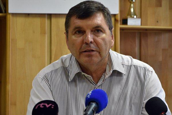 Prezident klubu Miroslav Remeta na tlačovej konferencii futbalového klubu 1.FC Tatran Prešov.