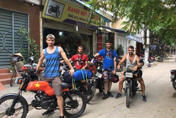 Na snímke zľava Jakub Sedláček, Miloš Prokop, Matej Guoth aDenis Kutnár. FOTO: LE NGUYEN LONG VU