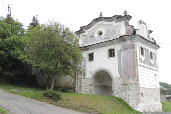 Piarska brána.