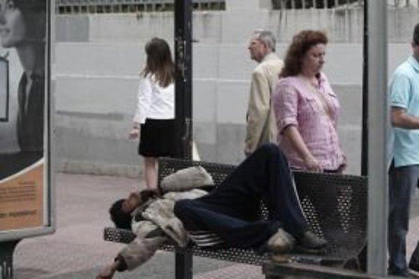 Niektorí imigranti spia, kde sa dá.