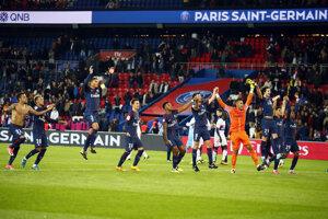 Radosť hráčov PSG po víťazstve nad Lyonom.