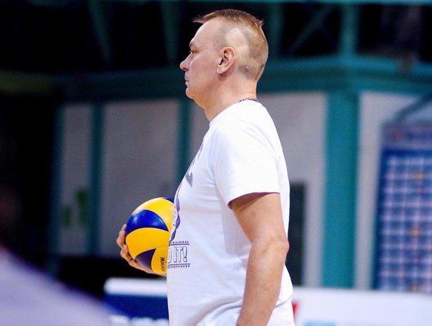 Teemu Sarna, tréner tímu Volley project UKF Nitra.