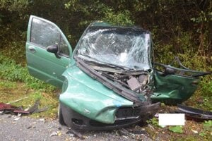 Takto dopadlo Daewoo.Auto je úplne rozbité.