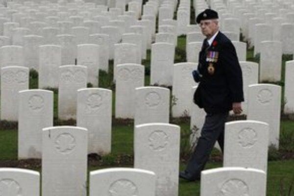 O konci druhej svetovej vojny sa svet dozvedel deň po podpise kapitulácie.