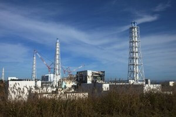 Poškodená elektráreň vo Fukušime.