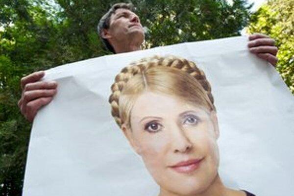 Tymošenková má stále značnú podporu verejnosti.