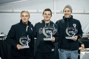 Samuel Sládečka (v strede) si v sobotu vybojoval prvé miesto v súťaži Reiter Young Stars.