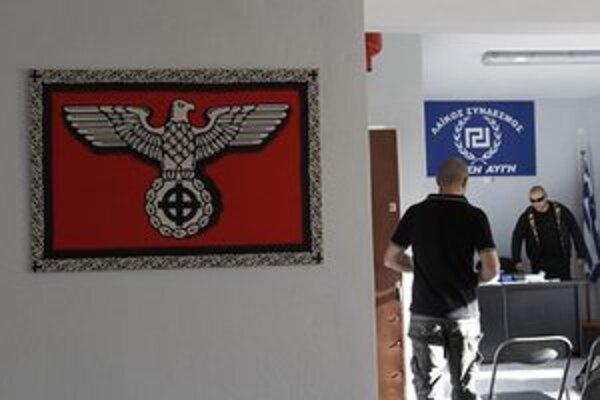 Západ priznáva problémy s krajnou pravicou. Na snímke grécki pravicoví extrémisti.