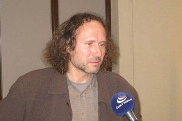 Spisovateľ Peter Placák.