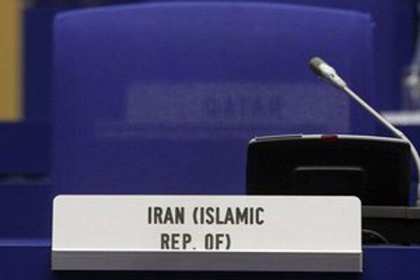Svetové mocnosti minulý týždeň prijali ponuku Teheránu na nové rozhovory.