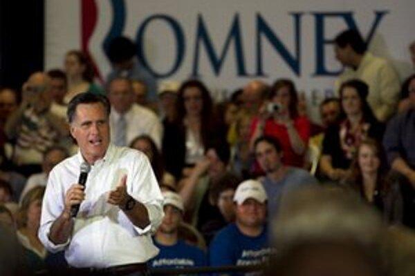 Romney na mítingu vo Vernon Hills.