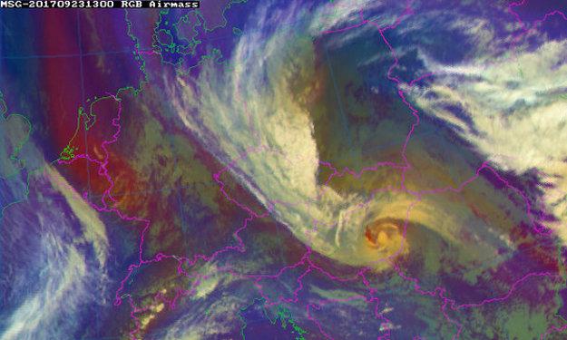 Záber z družice o 15.00 hod.