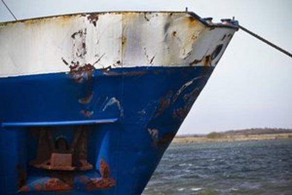 Poškodená prova lode Ramona.