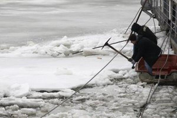 Ešte nedávno trápil lodníkov ľad.