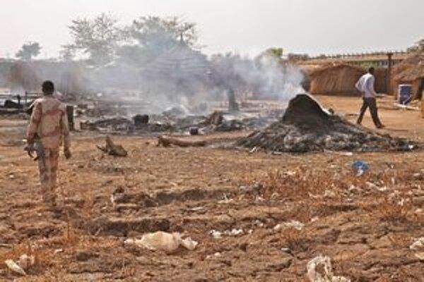 Sudánska armáda bombardovala aj dediny na území Južného Sudánu. Ten sa nevie veľmi brániť, nemá totiž vlastné letectvo.