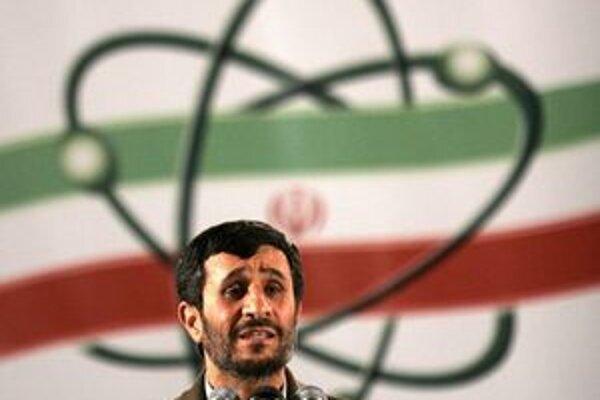 Iránsky prezident obhajuje jadrový program krajiny.