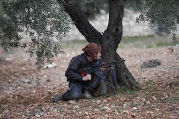 Sýrsky prezident Bašar Asad chce zastaviť revoltu v najodbojnejšom meste Homs násilím.