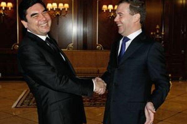 Berdymukhamedov s ruským prezidentom Medvedevom.