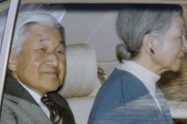 Cisár Akihito a cisárovná Mičiko.