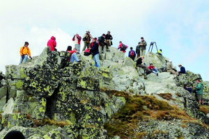 Turisti na vrchole Rysov.