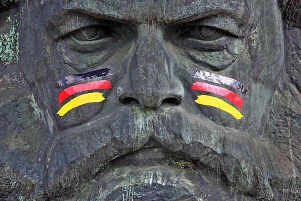 Socha Karla Marxa v Nemecku.