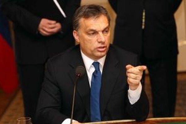 Orbánova vláda sa opatrením snaží dodržať deficit štátneho rozpočtu.
