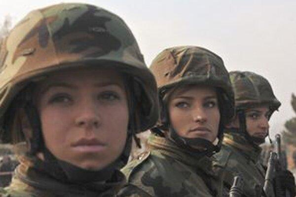 Príslušníčky kosovských ozbrojených síl.