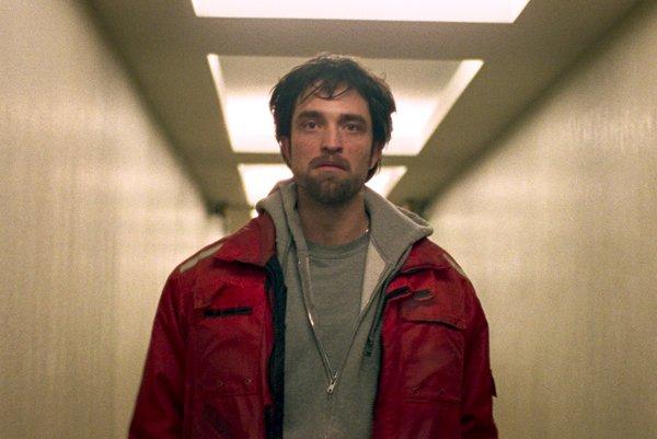 Aby sa Pattinson zžil s rolou, chcel stráviť noc medzi väzňami.