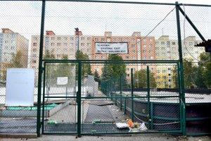 Majetok KVP. Športovo-rekreačný areál vybudovala mestská časť za státisíce, dnes chátra.