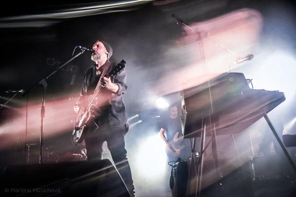 Fink na sobotňajšom koncerte v bratislavskom klube MMC.