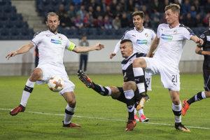 Plzeň (biele dresy) v Lugane prehrala.